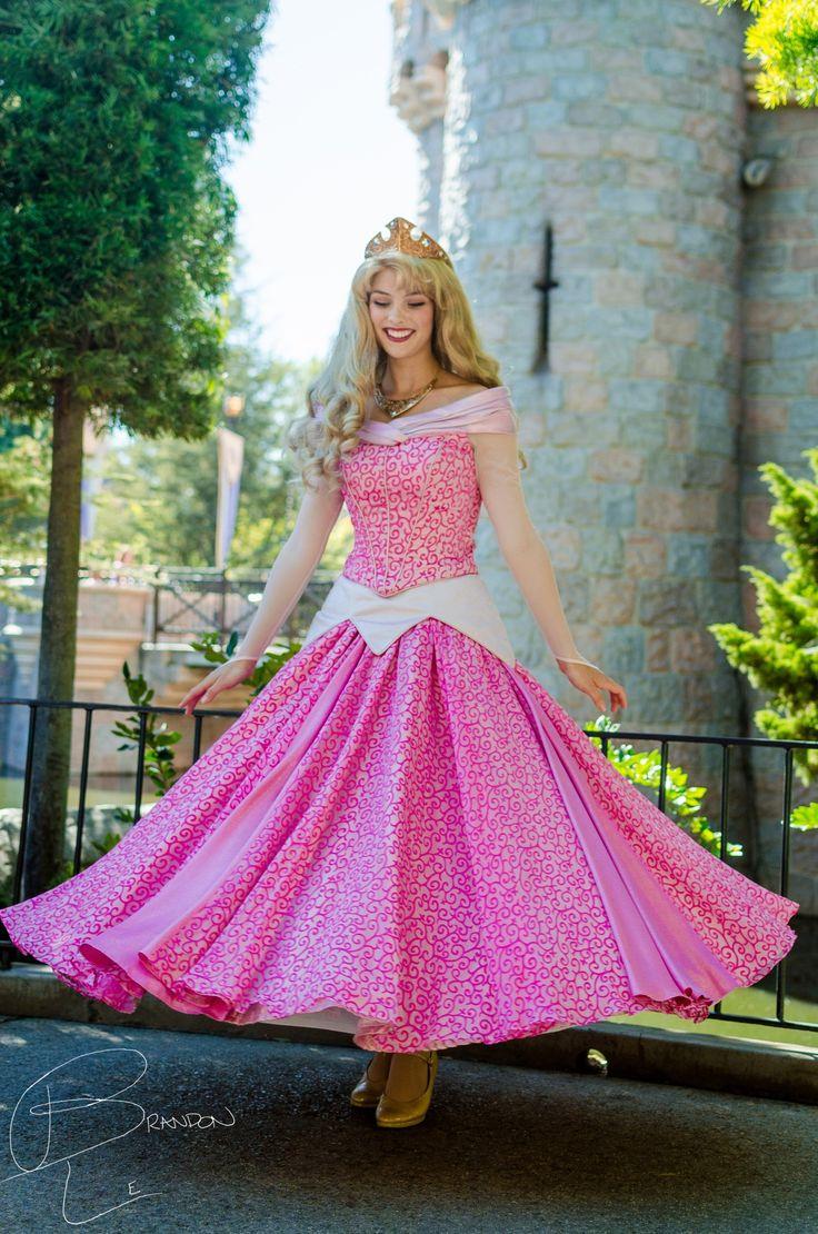 The dress twirl tho | Disneyland Princesses | Pinterest ...