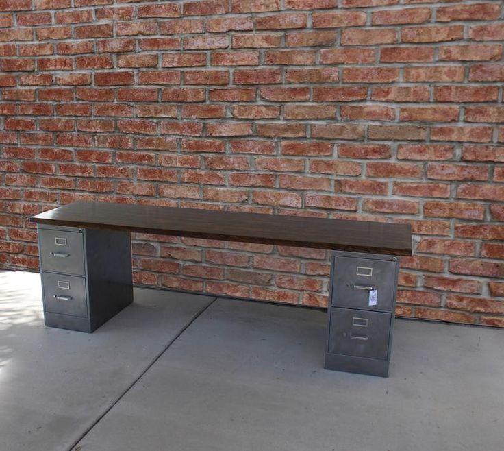 Rustikaler Schreibtisch mit 4 Schubladen / Aktenschrank aus Metall / industrieller Schreibtisch / Aktenschrank …