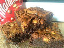 Chewy thick Malteser Chocolate Brownies! Yummy dense chocolate fudge brownies with malty Horlicks powder and plenty of maltesers!