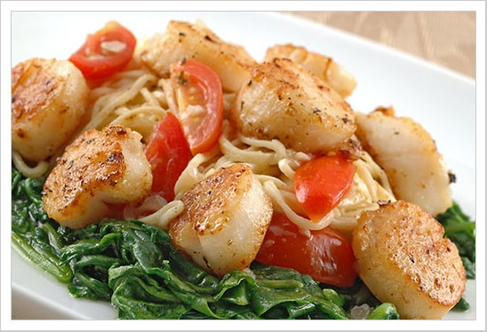 Angel Hair Pasta with Scallops in White Wine Butter