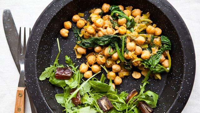 Chickpeas with Leeks, Spinach, and Smoked Paprika Recipe - super quick but really good. Can serve it over a grain or some indian Naan bread. If you want to bulk it up for non-vegans, a poached or fried egg served on top works well.
