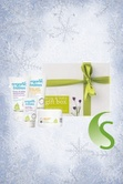 a beautiful gift set to pamper a mother-to-be and #baby! 'Green People Mum and Baby Gift Box' is the perfect starter kit of green people organic goodies for beautiful, soft skin is a lovely gift for new mums!