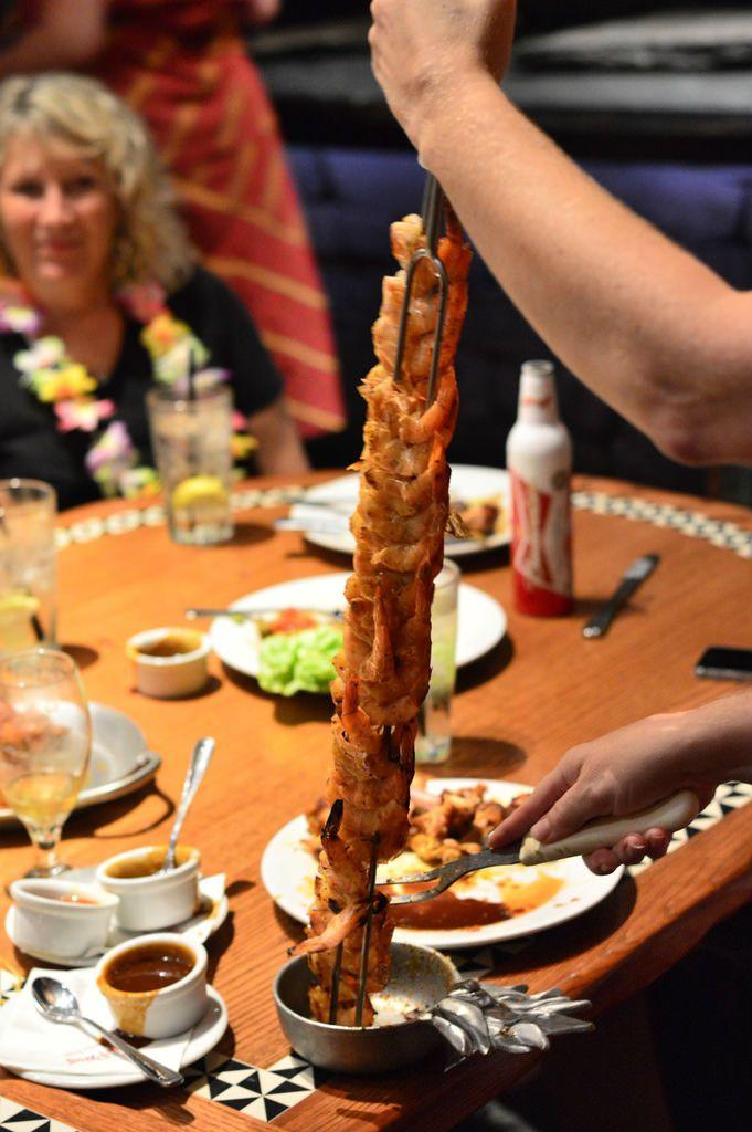 Dining at ohana walt disney world restaurants disney for Food bar ohana