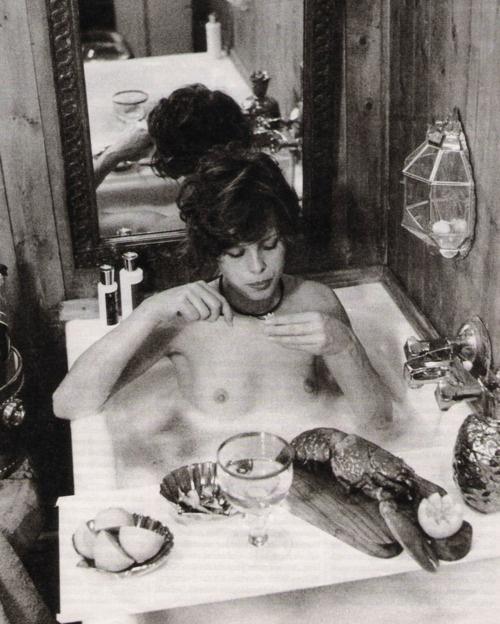 bath time with uschi