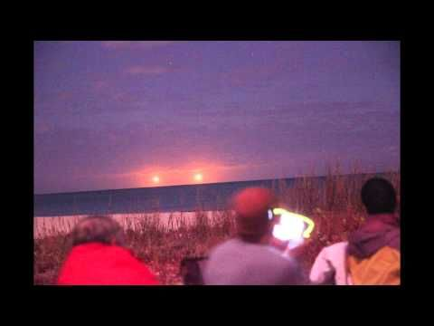 "Huge Golden UFOs Filmed Over Vero Beach Florida During CSETI Event | <b><i><a href=""http://www.educatinghumanity.com"">Educating Humanity</a></i></b>"