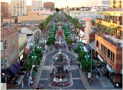 Downtown Santa Monica is a vibrant retail, dining and entertainment area in the heart of the city.