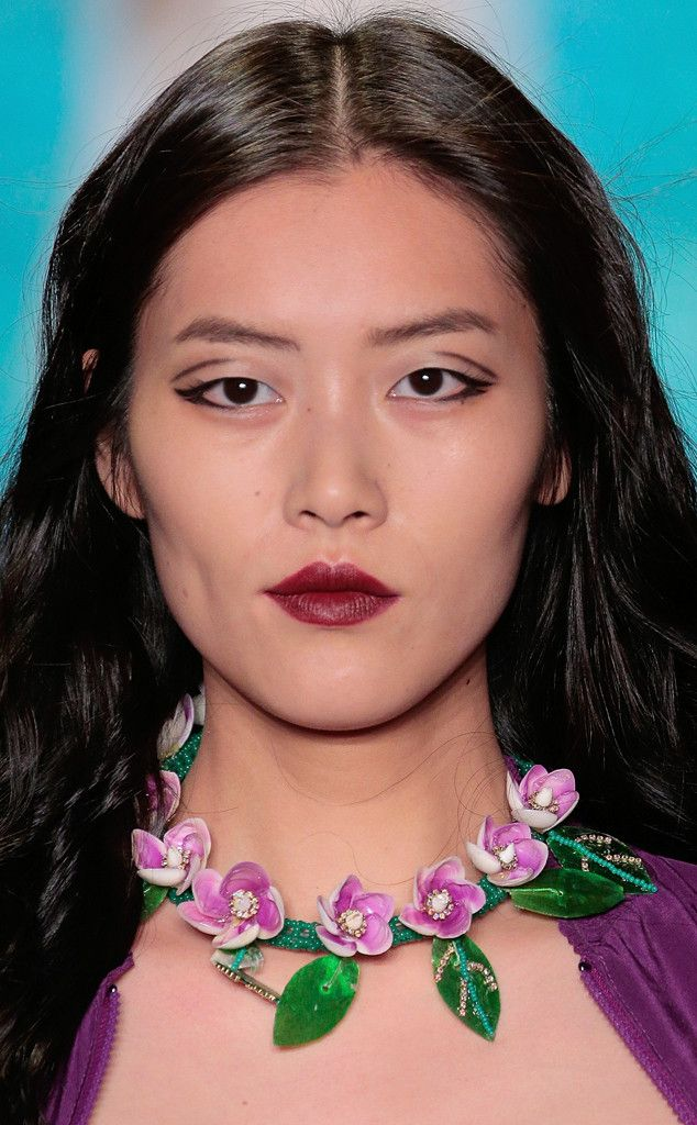 Wreath Necklace from Best Accessories at New York Fashion Week Spring 2016  Anna Sui