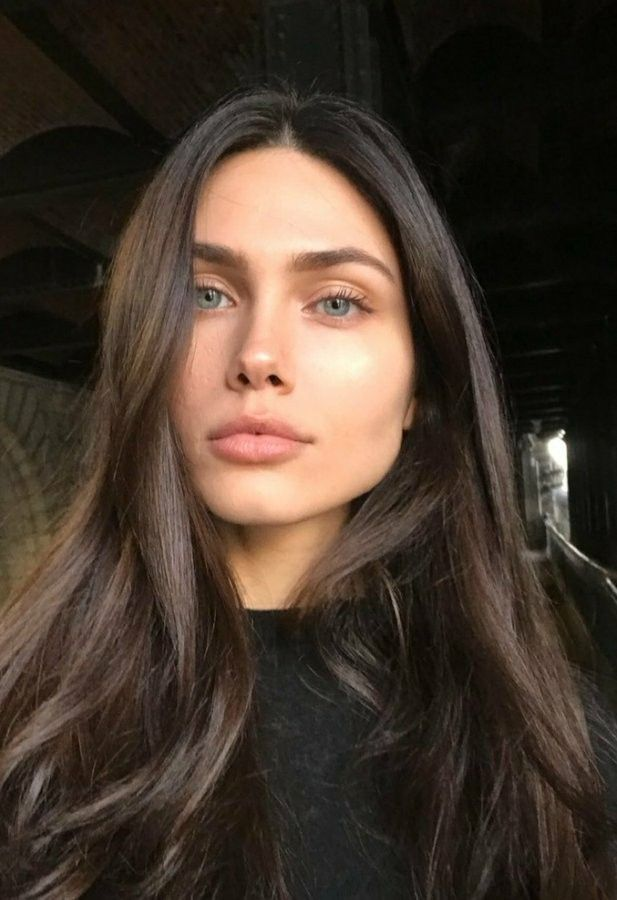 Pin By Sabah On Vika Bronova Model Brown Hair Blue Eyes Brown Hair Green Eyes Girl With Green Eyes