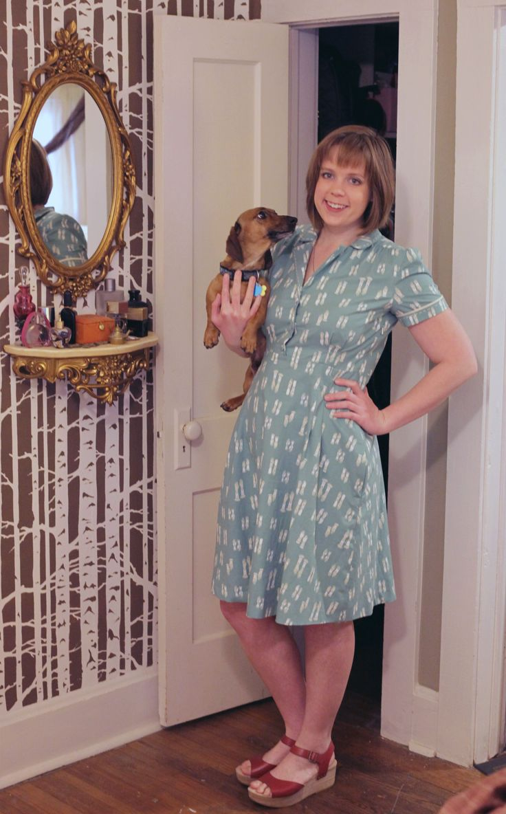 My new glove dress from a modified sew over it vintage shirt dress #sewing #crafts #handmade #quilting #fabric #vintage #DIY #craft #knitting