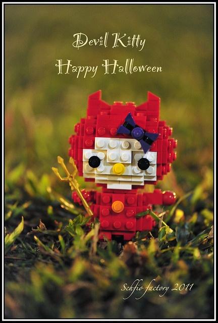 Lego hello kitty celebrates halloween lego pinterest - Lego hello kitty maison ...