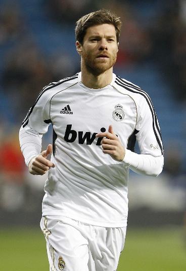 Xabi Alonso, centrocampista, España. Meu número 01.