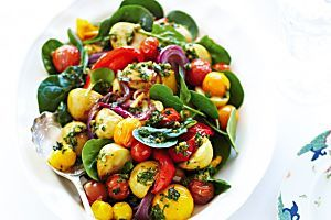 7 salads in Christmas colours