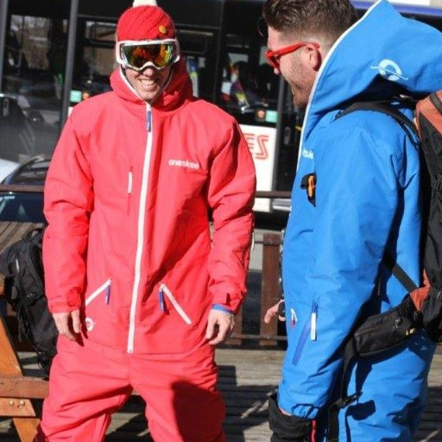 Interested to know how you'd wear your oneskee? Oversized, regular or fitted? #oneskee_zipup #ski #skiing #snowboarding #fashion