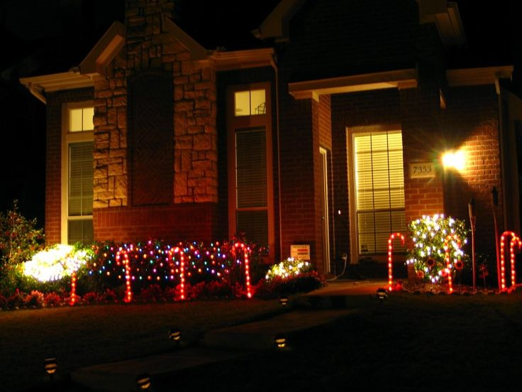 129 best Front Yard Landscape Christmas Decor images on Pinterest ...