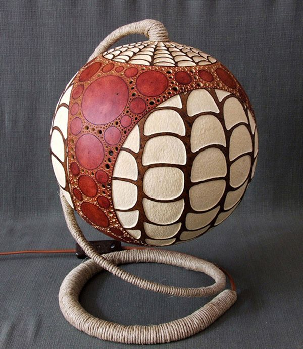 Amazing Exotic Gourd Lamps from Calabarte - http://freshome.com/2011/06/20/amazing-exotic-gourd-lamps-from-calabarte/