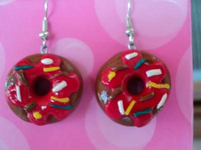 Διαγωνισμός στο facebook με δώρο ένα ζευγάρι χειροποίητα σκουλαρίκια Donuts από πηλό | Κέρδισέ το Εύκολα
