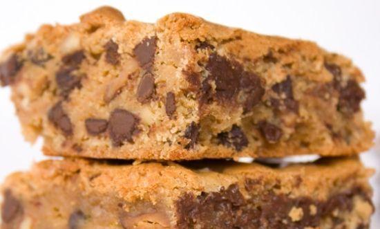 Vegan: brownies alla zucca, cookies al cioccolato, cheescake alla zucca, palline di popcorn, torta al cioccolato, omini pan di zenzero...