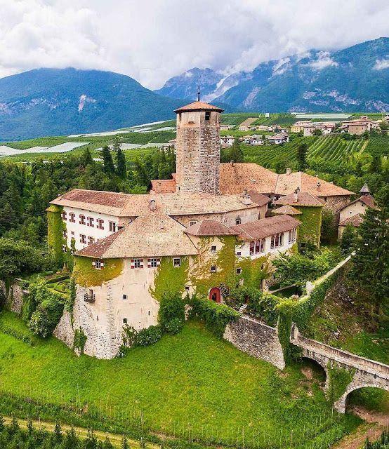 #Fly #me #Away: #Dolomitas, as #montanhas do #norte de #Itália   #travel #natureza #montanhas #PatrimónioNaturaldaHumanidade #UNESCO #paisagem #Castel #Valer #Dolomitas