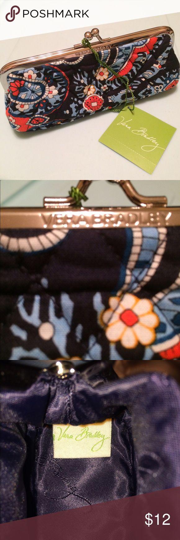 ‼️MONDAY SALE‼️ NWT Vera Bradley Kisslock Case NWT Vera Bradley Kisslock Case - Marrakesh Design Vera Bradley Bags Clutches & Wristlets