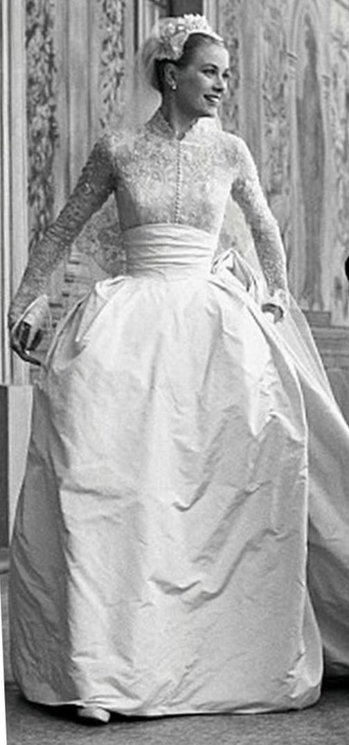 grace Kelly looking the definition of stunning #vintage #weddingdress