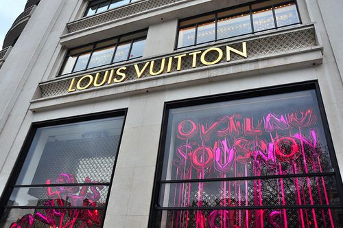 Hello, gorgeous!Luxury, Things Pink, Style, Hot Pink, Fab Stores, Balloons, Vuitton Stores, Louis Vuitton 3, Louis Vuitton3