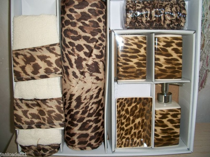 Leopard accessories for the bathroom
