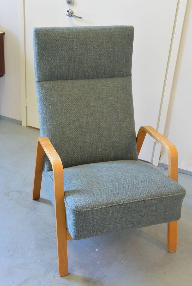 Askon nojatuoli Mika, Olavi Lieto 50-luku,  uudelleeen verhoiltu ja pehmusteet uusittu