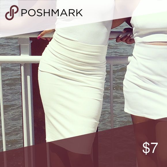 New White Pencil Skirt‼️ Please feel free to leave a comment or ask for additional information. Also see my other listings, thanks 😊 Skirts Pencil