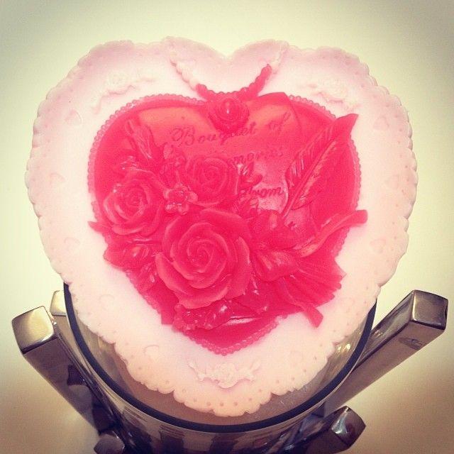 Tek bir sözcük yeter sevgiliye, hediye bence bahane... :) Seni seviyorum demek için sadece bir gün yeterim hiç sevene... Her gününüz 14 Şubat olsun, her gününüz sevgiyle dolsun... :) #missqoqu #love #gift #followme #soap #giftsoap