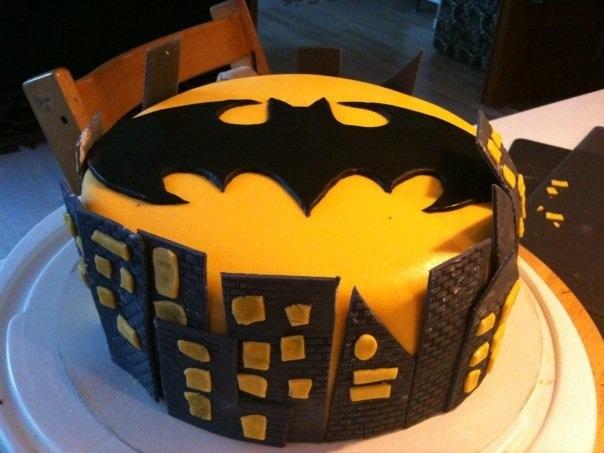 Batman cake fondant