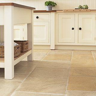 tiles for country kitchen oltre 25 fantastiche idee su pavimenti rustici su 6211