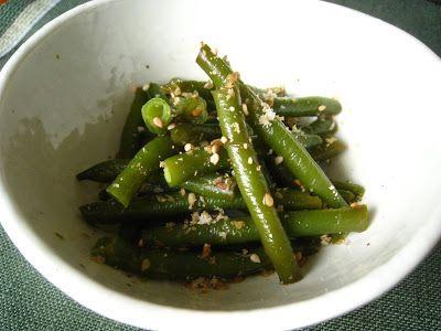 Kazuo: Grüne Bohnen in Sesam-Sojasoße さやいんげんのごま醤油あえ