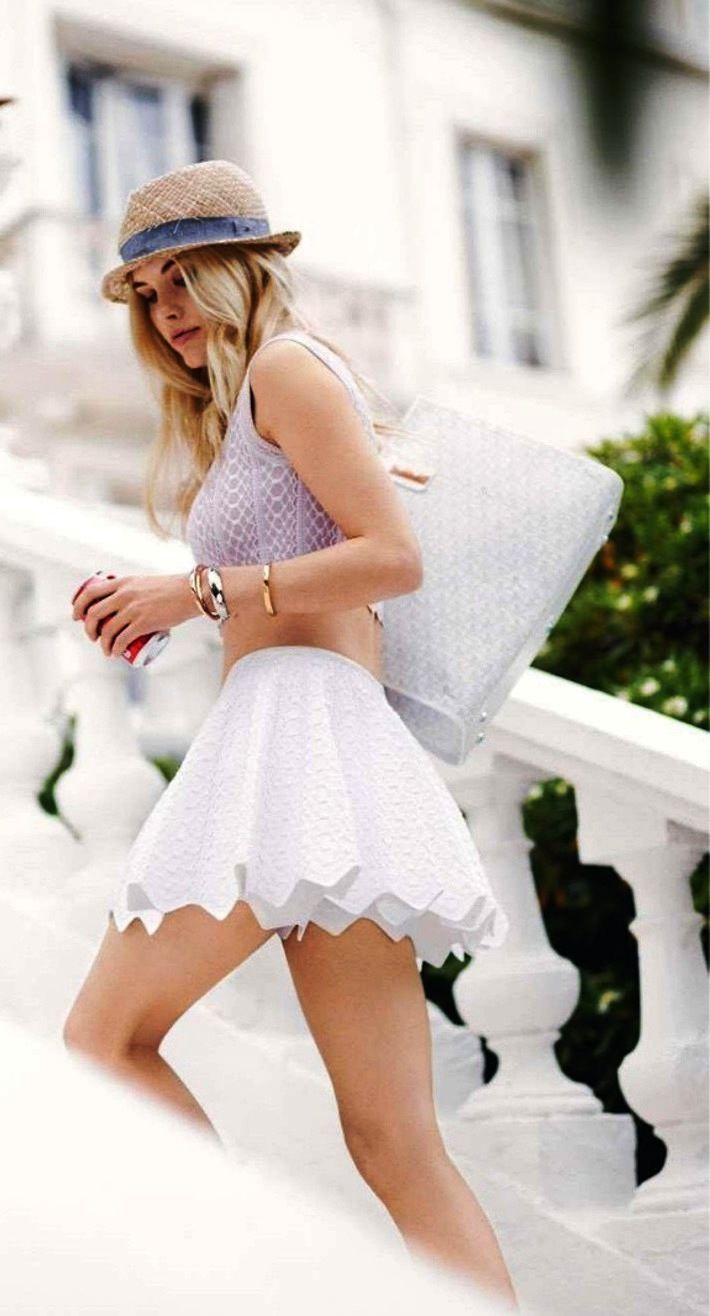 summer chic. I love this skirt! super cute