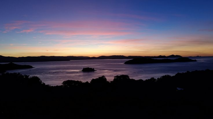 Winter sunset views from One Tree Hill on Hamilton Island #sunset #winter #hamiltonisland #beachsunset #paradise