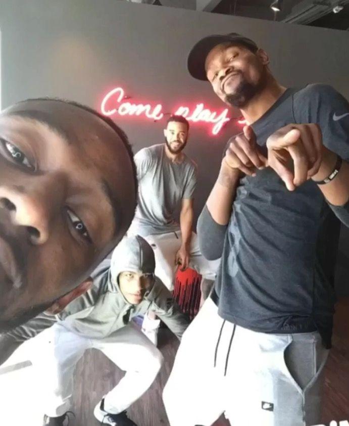 Andre Iguodala, Kevin Durant, Klay Thompson and Ian Clark at Spin in San Francisco