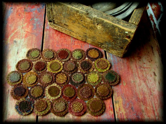 love this penny rug looks very antique in the way it is finished