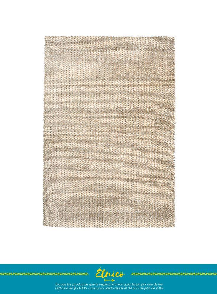 alfombra en tono beige que por su claridad aporta luz y a la vez disimula el sucio