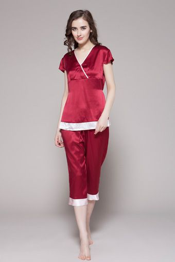 Online shop for 100 high quality ladies silk pj with custom plus size, which is in two-piece set and be chosen from 19 momme mulberry silk. $95 #pajamas #silk #lilysilk