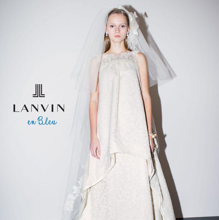ファッションブランドとしても30代女子に人気を集める!ランバンオンブルーのウエディングドレスの存在感!