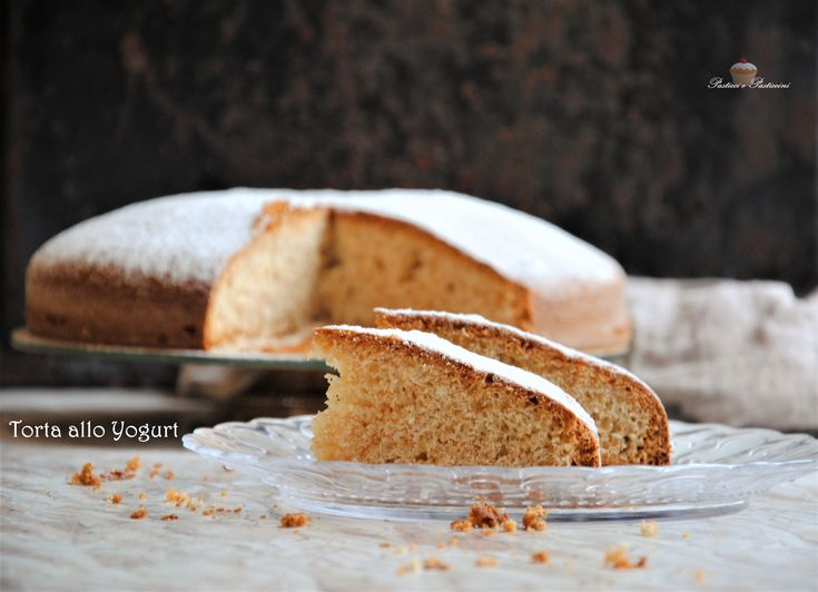 La Torta allo Yogurt è un dolce da forno classico, molto buono e semplice, perfetto per la colazione o la merenda di tutti i giorni.
