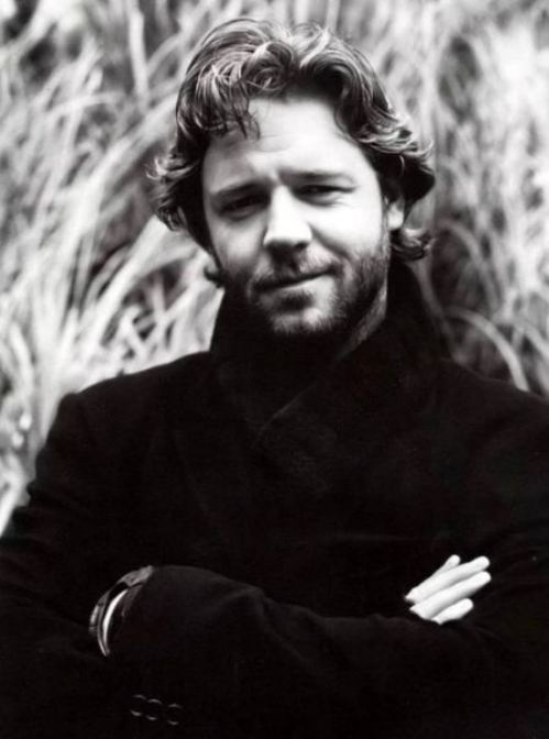Oh...I'd Like to get my fingers all tangled up in that hair... Russell Crowe http://theberry.com/2012/03/29/famous-actor-australian-double-win-19-photos/?utm_source=feedburner_medium=email_campaign=Feed%3A+feedburner%2FtheBERRY+%28theBERRY%29