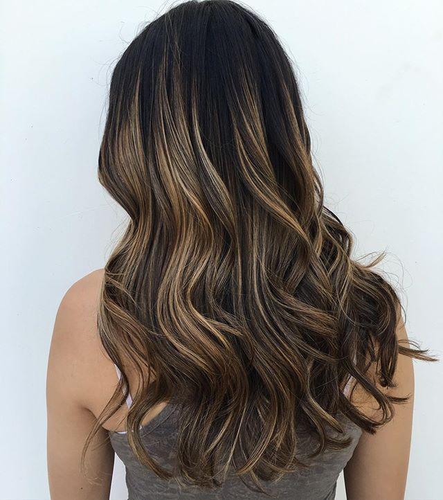 lightener: #Schwarzkopf Toner: #matrix 8v & 10v 10vol. Base color: her natural hair color Let there be a little more summer ready hair. #balayage #balayagehighlights #americansalon #modernsalon