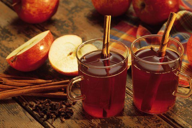 Hot Spiced - 2 quarts apple cider 1/4 cup sugar 10 whole cloves 6 whole allspice 4 sticks cinnamon