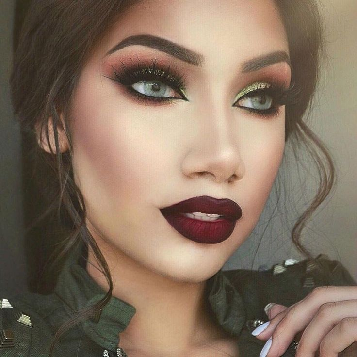 See this Instagram photo by @makeupbyalinna • 28.4k likes