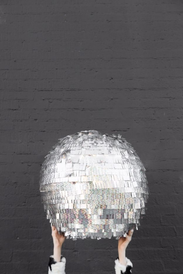 DIY Teen Room Decor Ideas for Girls | DIY Disco Ball Pinata | Cool Bedroom Decor, Wall Art & Signs, Crafts, Bedding, Fun Do It Yourself Projects and Room Ideas for Small Spaces http://diyprojectsforteens.com/diy-teen-bedroom-ideas-girls