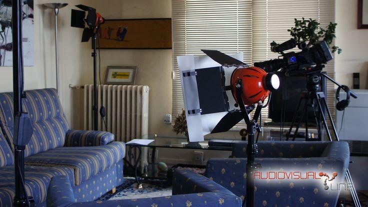 Entrevistas Power Axle. 2013 Con equipo de cámara, microfonía de solapa e iluminación halógena.