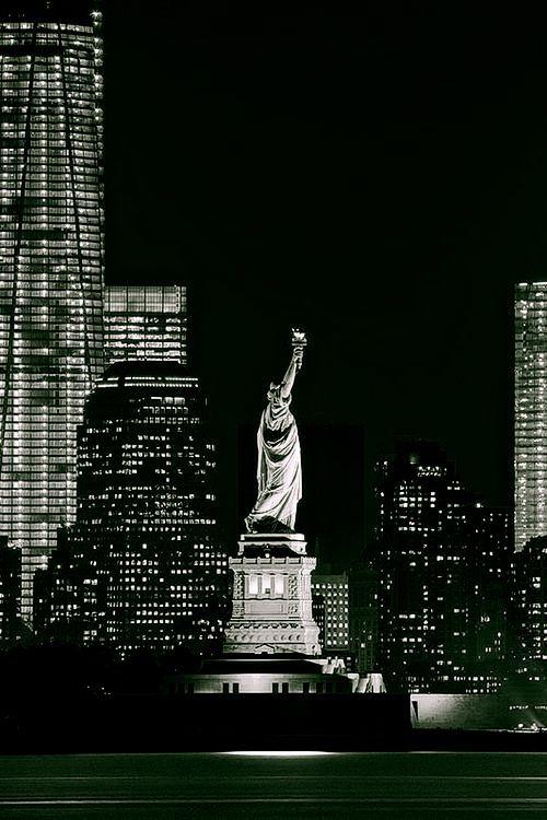 One World Trade - Statue of Liberty - Manhattan, New York City
