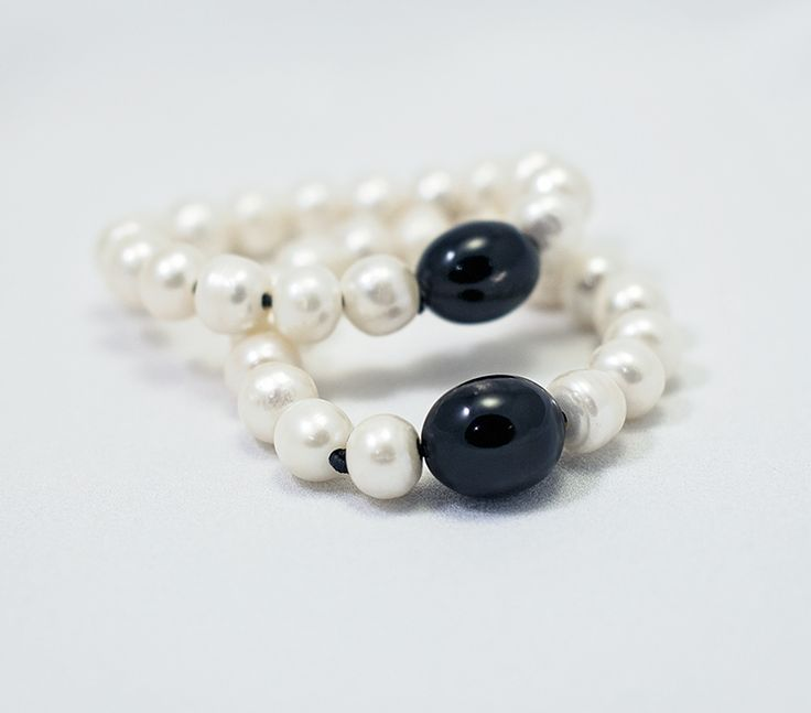Bracelet - Pearls with Large Horn Bead
