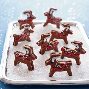 Christmas Cookies Kids Can Help Make: Reindeer Gingerbread Cremes (via Parents.com)