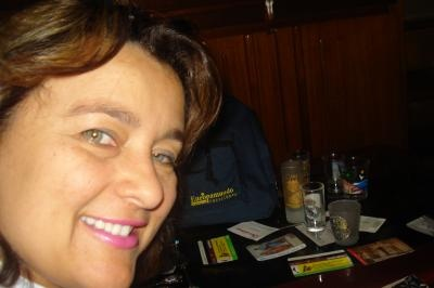 "Concurso: Por tu Cara Bonita  Frase:Eu sou só sorriso... ""Ganhei o sonho de viajar Europamundo!""  Concursante:Maria Rita Amaral"